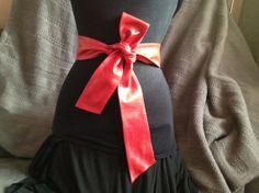 Ceinture à nouer pour femme en cuir souple rouge vif. Longueur: 160 cm