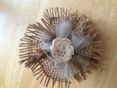 Easy burlap and tulle flower