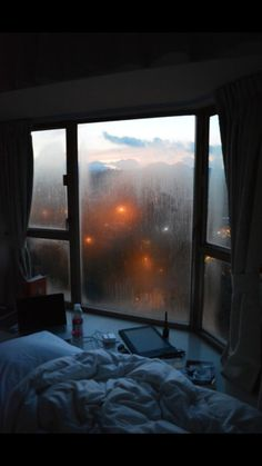 Home decoration is one of the most important elements that help you to define the… Cozy Rainy Day, Rainy Night, Rainy Days, Rainy Mood, Cozy Aesthetic, Night Aesthetic, Aesthetic Bedroom, Aesthetic Grunge, Nature Aesthetic