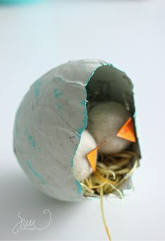 Paperiaskartelua, DIY-liima, kierrätysmateriaalit