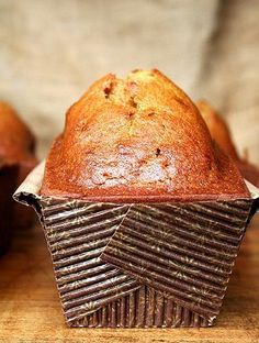 Pumpkin Bread - it is incredibly delicious. Made with oil not butter, the batter comes together in minutes. (I love that this uses oil instead of butter. I find that the quick breads stay moister if made with oil) Pumpkin Recipes, Fall Recipes, Holiday Recipes, Bread Recipes, Baking Recipes, Muffin Recipes, Think Food, Pumpkin Bread, Sugar Pumpkin