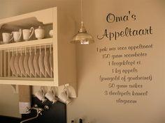 Prachtige keuken en appeltaart tekst op de muur! More