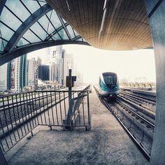 The #Dubai Metro. Stunning Image, Courtesy @omararef.