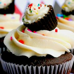 Funny pictures about Yo dawg I heard you like cupcakes. Oh, and cool pics about Yo dawg I heard you like cupcakes. Also, Yo dawg I heard you like cupcakes. Yummy Cupcakes, Mini Cupcakes, Cupcake Cakes, Baby Cupcake, Cupcake Toppers, Small Cupcakes, Sprinkle Cupcakes, Coconut Cupcakes, Cheesecake Cupcakes
