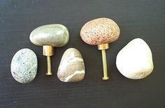 Pomelli maniglie cassetto tira di pietra di mainerockguy su Etsy