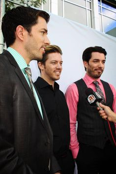 Drew & JD and Jonathan Scott at the 2013 Leo Awards. June 8.