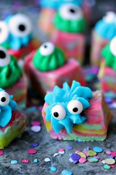 Halloween Monster Fudge | Easy microwave fudge swirled with fun colours, topped with icing and transformed into cute little monsters!