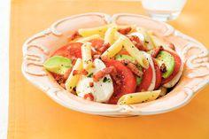 Kijk wat een lekker recept ik heb gevonden op Allerhande! Mozzarella-pastasalade met spekjes