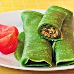 Green Crepes (Polish Nalesniki) with delicious chicken filling!