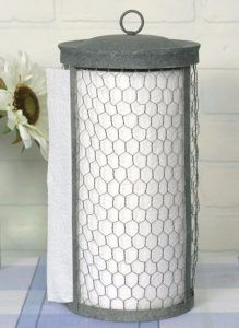 Classic Early American Country Primitive Chicken Wire Rustic Paper Towel Holder Great accent for any kitchen! Paper towel holder worthy of the finest homes! Country Farmhouse Decor, Farmhouse Style Decorating, Farmhouse Kitchen Decor, Diy Kitchen, Country Primitive, Vintage Farmhouse, Farmhouse Chic, Chicken Kitchen Decor, Vintage Kitchen