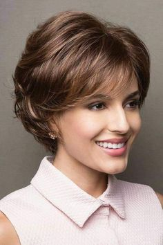 Noriko wigs - Sandie # 1648 front 3 Source by sanbermeo Short Haircut, Short Hairstyles For Women, Hairstyles With Bangs, Short Hair With Layers, Layered Hair, Medium Hair Styles, Curly Hair Styles, Short Wigs, Synthetic Wigs