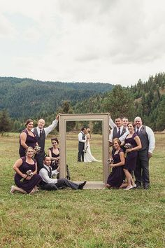 Awesome 40+ Creative Bridal Party Photo Ideas https://weddmagz.com/40-creative-bridal-party-photo-ideas/