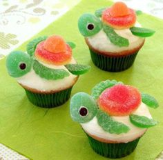 Amazingly cute cupcake idea... Maybe make icing blue to look like water