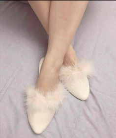 Fur Slides, Slippers, Furs, Boudoir, Shoes, Fashion, Slipper, Heels, Inside Shoes