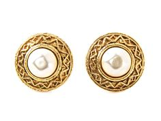 22274657f116 These Chanel earrings are in pre-owned condition. At Connect Japan Luxury