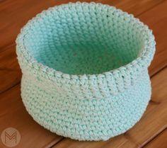 crochet simple basket