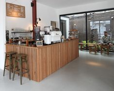 Kolonel Koffie is a household coffee name in Antwerp. After two years in the center of the city they moved to a spacious building just outside 't Zuid...