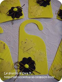Profuma biancheria per la festa della donna Grandparents Day, Mother And Father, Badge, Kids Rugs, Paper, Handmade, Crafts, San Valentino, Home Decor