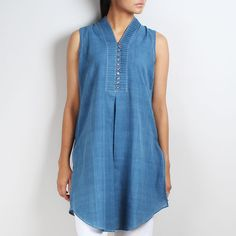 Sleeveless Khadi Tunic With Pleated Collar Invert Box pleat (front)