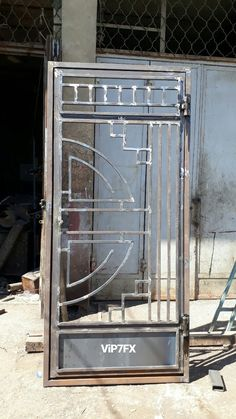 New Door Design, House Main Gates Design, Front Gate Design, Door Gate Design, Metal Gates, Wrought Iron Doors, Metal Bending Tools, Steel Gate Design, Grades
