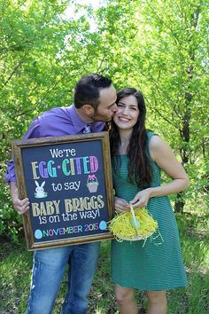 EASTER PREGNANCY ANNOUNCEMENT CHALKBOARD POSTER PRINTABLE | WE'RE EGGCITED TO SAY | PREGNANCY REVEAL POSTER
