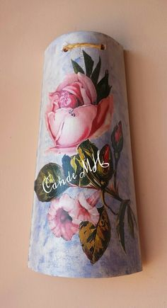 Teja decorada con decoupage.  By CandeMH