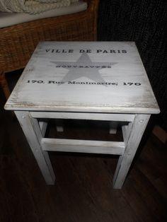vintage stolík