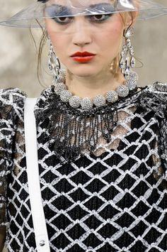 Défilé Chanel Printemps-été 2018 Prêt-à-porter - Madame Figaro