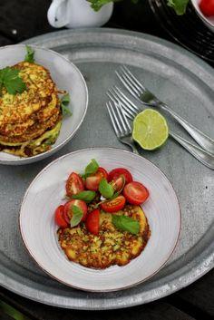 Pata porisee: Kesäkurpitsapannukakut Food, Essen, Meals, Yemek, Eten