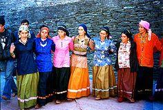 Garhwali folk dancers (Uttarakhand, India)