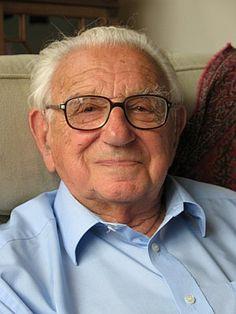 Трогателната история на човекът спасил 669 деца по време на Холокоста (Видео)