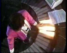 Quando o Fantástico era Fantástico mostrava esses clipes e tal.  JEAN MICHEL JARRE RENDEZ-VOUS IV FROM LYON