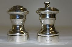 1 PAIR STERLING SILVER ITALIAN MADE MATCHING SALT SHAKER AND PEPPER MILL VINTAG