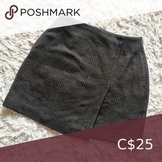 Shop Women's Uniqlo Brown Black size 6 Skirts at a discounted price at Poshmark. Description: Uniqlo black & brown plaid wool skirt size Sold by alexblakjak. Plaid Wool Skirt, Wool Skirts, Uniqlo Skirts, Plus Fashion, Fashion Tips, Fashion Trends, Black And Brown, Outfits, Collection