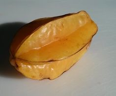 Gummy Bear Fruit - Eating a Starfruit or Carambola
