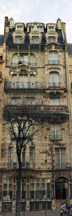 Art Nouveau | Hôtel Elysées Ceramic, 34 avenue de Wagram, París, designed by Jules Lavirotte