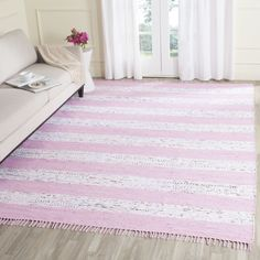 Safavieh Hand-Woven Montauk / Light Pink Rug