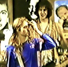 "Kurt: ""hold on my hair.."" Krist: ""i like your hair."""