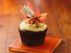 Yum... Id Pinch That! | Campfire Smore Cupcakes