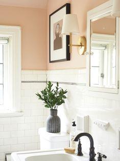 Before & After: An Unbelievable Vintage Bathroom Makeunder