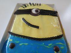 Minion sheet cake. Pinterest fail, or kids birthday party bail? You be the judge. #minionscakeFTW  Recipe coming soon to blog.zak.com