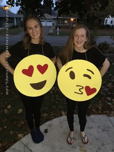 Easy, Quick Emoji/Emoticon Costume for All Ages