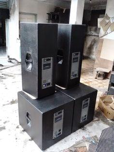 aktif plus subwoofer 1 power amplifier Class D with DSP. bi-amp ohm, high ohm, subwoofer oh. P A System, Music System, Speaker Plans, Subwoofer Box, Diy Speakers, Speaker Design, Audio Amplifier, Layout, Dj