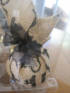 burlap-christmas-ornament-ideas