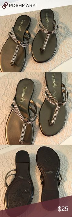 bba7d777417253 Flat sandals Very cute sandals with lots of rhinestones. Perfect for that  special evening or