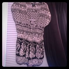 Printed romper Adorable romper! Has pockets. Super cozy yet chic Angie Other