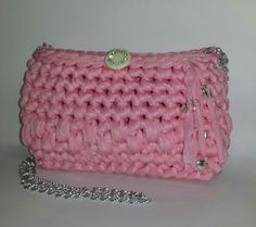 Handmade crochet pochette for little girls. Fettuccia. Barbara C.