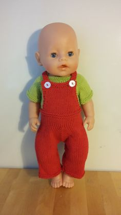 Dryas Octopetala: Overalls to doll babyborn Doll Patterns Free, Doll Clothes Patterns, Baby Knitting Patterns, Baby Patterns, 12 Inch Doll Clothes, Barbie Clothes, Knitting Dolls Clothes, Knitted Dolls, Build A Bear Clothes Pattern