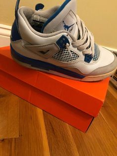 100% authentic 17712 c8a63 For sale is a pair of Nike Air Jordan IV Retro youth basketball shoes in  whitebluegray colors.