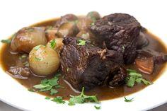 Μπεφ Μπουργκινιον α λα Julia Child Boeuf Bourguignon Julia Child, Pot Roast, Lamb, Steak, Cooking, Ethnic Recipes, Foods, Gourmet, Cooking Recipes